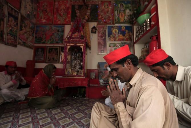 1464947693_hindus-pakistan
