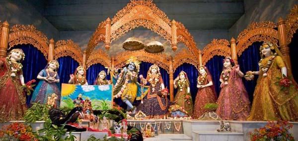 ISKCON-Mayapur-Radha-madhav-Asta-Shakhi-01_800x444